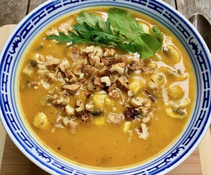 Kürbis-Kokos-Suppe